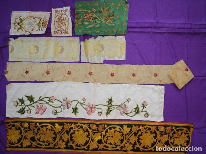 CONJUNTO DE SEDAS BORDADAS Y BROCADAS. PPS. S. XX. (Antigüedades - Religiosas - Ornamentos Antiguos)