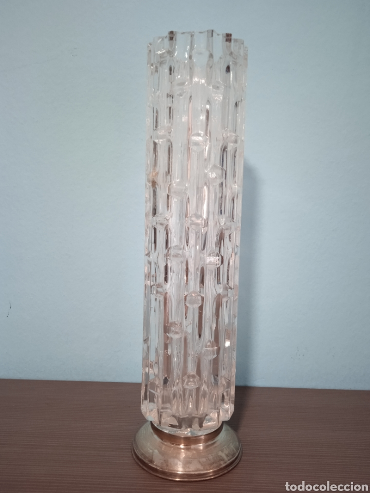 Antigüedades: UN GRAN JARRON ANTIGUO DE CRISTAL TALLADO CON BASE DE PLATA - Foto 2 - 268471069