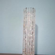 Antigüedades: UN GRAN JARRON ANTIGUO DE CRISTAL TALLADO CON BASE DE PLATA. Lote 268471069