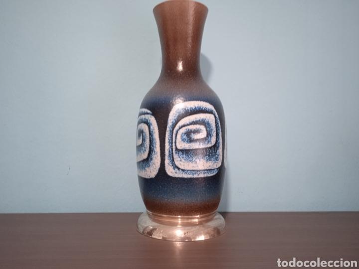 Antigüedades: Gran jarron de cerámica Serra con base de plata - Foto 2 - 268471379