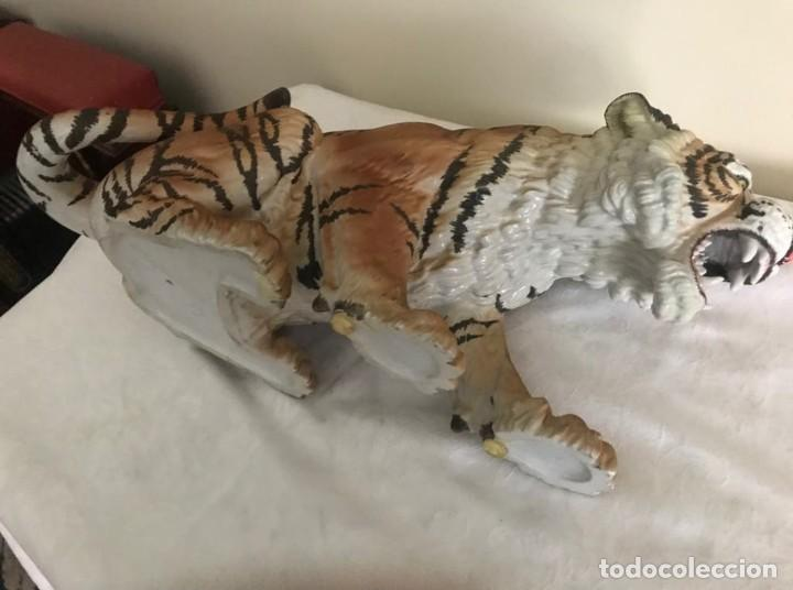 Antigüedades: Antiguo tigre de porcelana, precioso de C.Martinu, perfecto estado - Foto 6 - 268479644