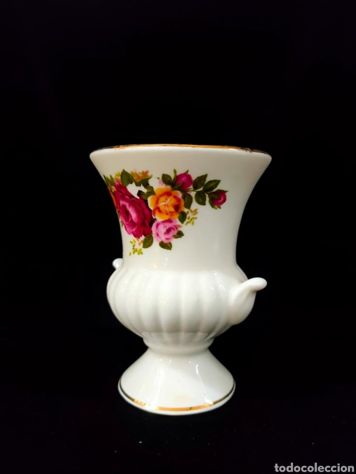 Antigüedades: Jarroncito de porcelana - Foto 3 - 268745084