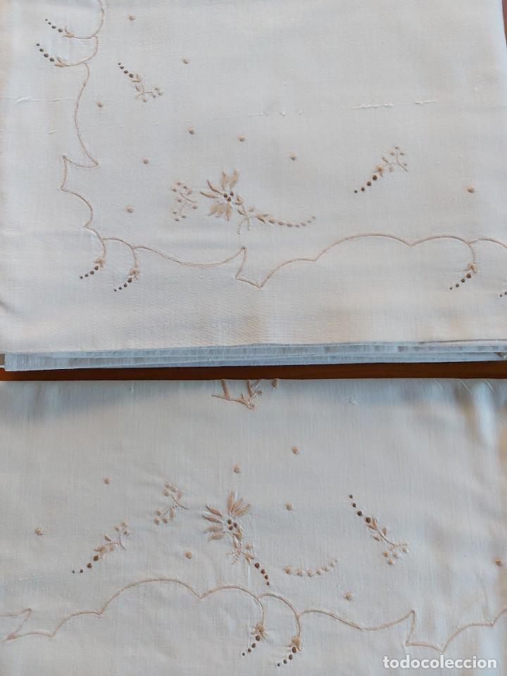 JUEGO DE SÁBANAS BORDADAS (Antigüedades - Hogar y Decoración - Sábanas Antiguas)