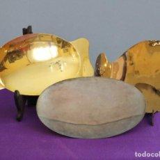 Antigüedades: CONJUNTO DE TRES PATENAS DE GRAN TAMAÑO, ELABORADAS EN METAL DORADO Y PLATEADO. PPS. S. XX.. Lote 268778094