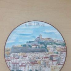 Antigüedades: PLATO DE CERÁMICA IBIZA, FIRMADO. Lote 268804729