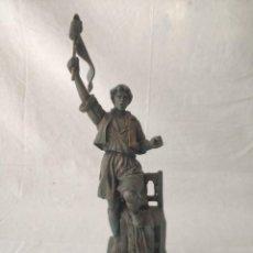 Antigüedades: BONITA FIGURA FALLA LLIBERTAT - TEODORO LLORENTE AL SEU FALLER D'HONOR BURJASSOT AÑO 2001. Lote 268814424