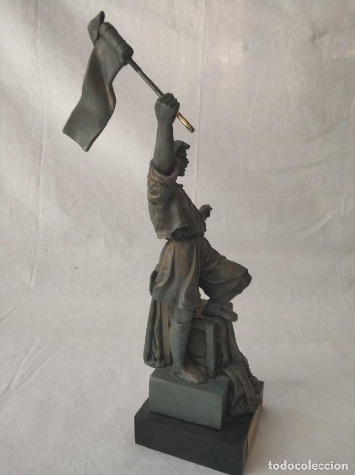 Antigüedades: Bonita figura Falla Llibertat - Teodoro Llorente al seu Faller dHonor Burjassot año 2001 - Foto 3 - 268814424
