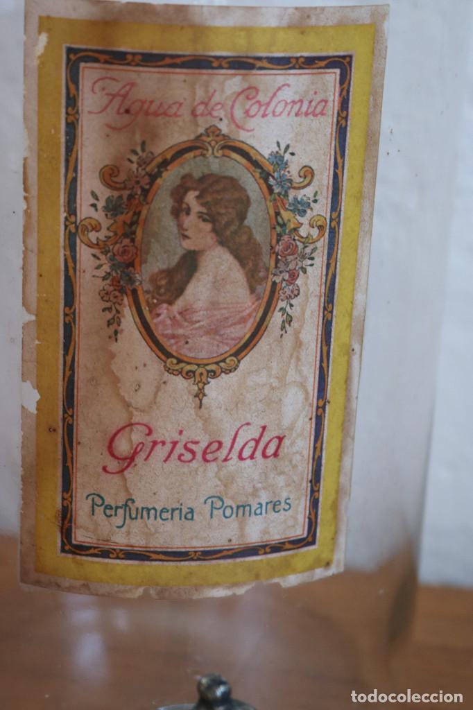Antigüedades: FRASCO DE COLONIA PERFUME - AGUA COLONIA GRISELDA - DISPENSADOR DE CRISTAL CON GRIFO ORIGINAL - Foto 2 - 268876219
