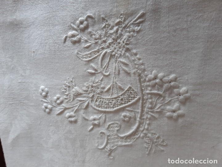 Antigüedades: MUY ANTIGUO MANTELITO BORDADO A MANO CON EL NOMBRE DE CONCEPCION. - Foto 5 - 268881894