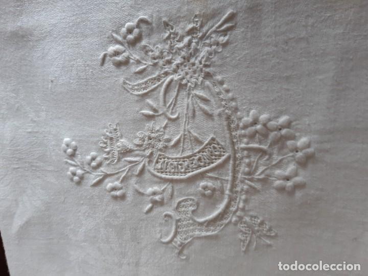 Antigüedades: MUY ANTIGUO MANTELITO BORDADO A MANO CON EL NOMBRE DE CONCEPCION. - Foto 6 - 268881894