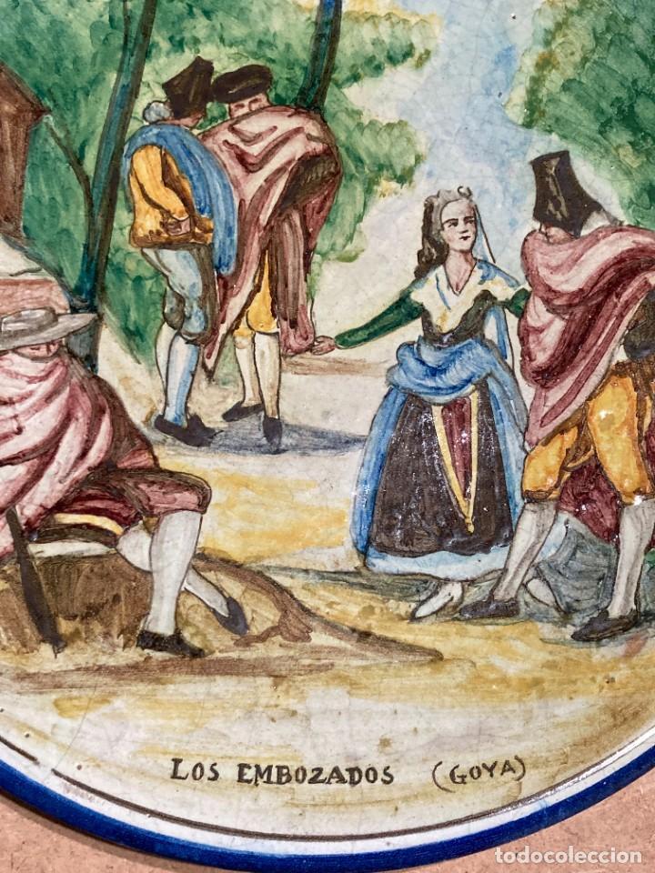 Antigüedades: Plato de Triana con motivo goyesco - Foto 5 - 268904119
