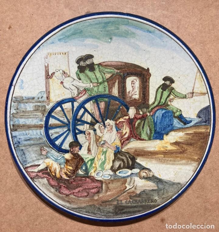 Antigüedades: Plato de Triana con motivo goyesco - Foto 2 - 268904179