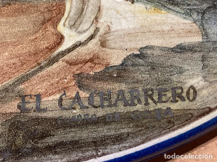 Antigüedades: Plato de Triana con motivo goyesco - Foto 4 - 268904179