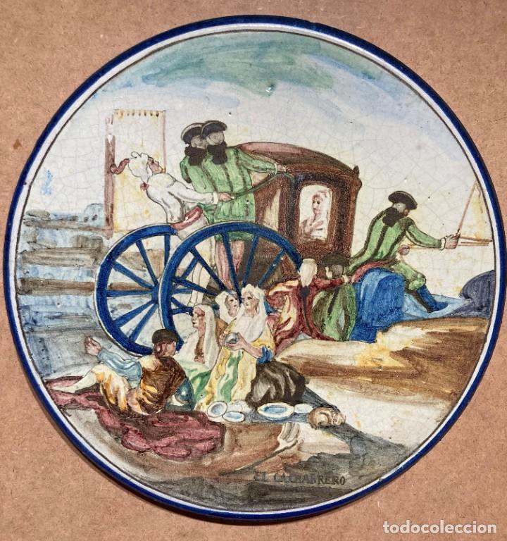 Antigüedades: Plato de Triana con motivo goyesco - Foto 5 - 268904179