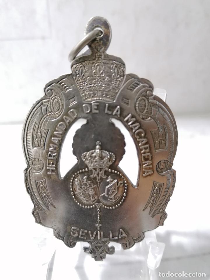 Antigüedades: MEDALLA METAL, HERMANDAD DE LA MACARENA - SEVILLA, MEDIDAS 7 X 4,5 CM - Foto 2 - 268990244