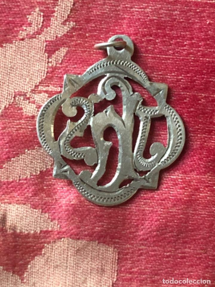 Antigüedades: Antigua medalla religiosa realizada en plata JHS. - Foto 2 - 268993719