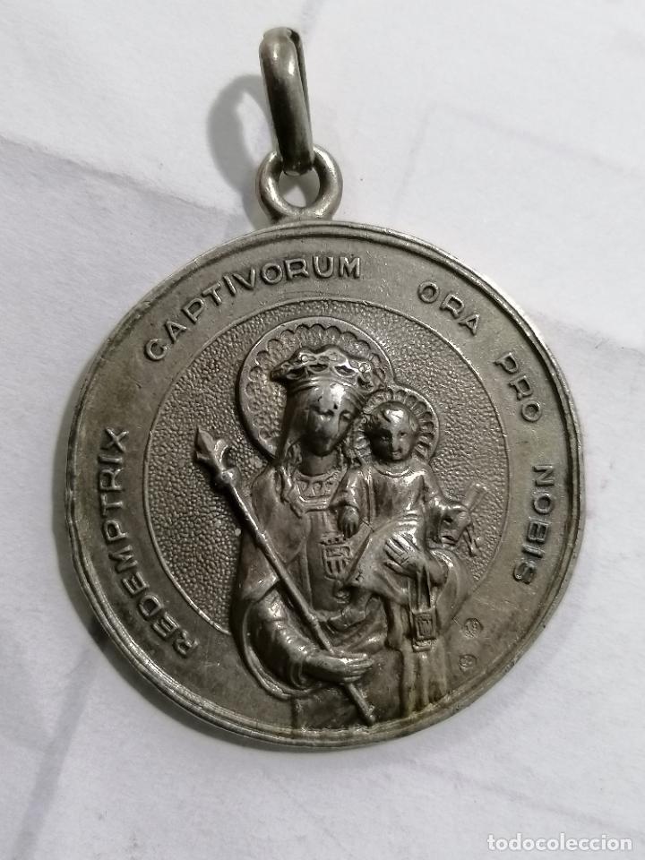 MEDALLA, ASOCIACION DE HIJAS DE MARIA, BERRIZ, AMAYA DE ISPIZUA, 1949, REDEMPTRIX CAPTIVORUM (Antigüedades - Religiosas - Medallas Antiguas)