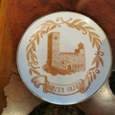 Antigüedades: PLATO DEL CASTILLO DE SANTA OLIVA, MILLENARI 986 - 1986 REALIZADO CASA BOHEMIA. Lote 269014024