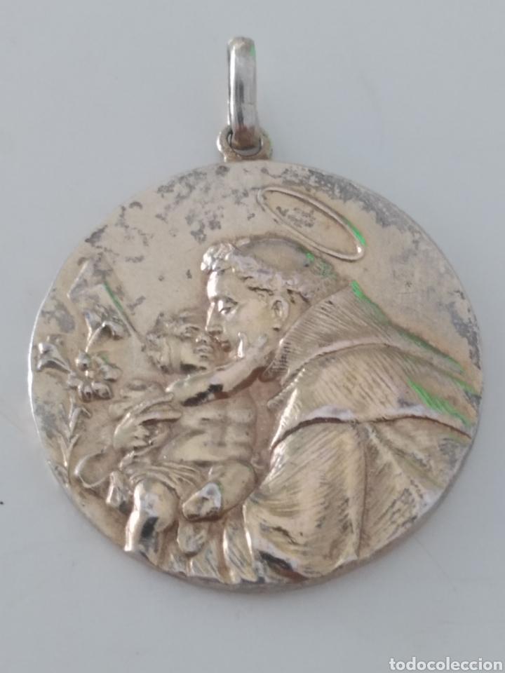 ANTIGUA MEDALLA DE PLATA SAN ANTONIO DE PADUA.AÑO 1923. CASI CENTENARIA.REPUJADA. (Antigüedades - Religiosas - Medallas Antiguas)