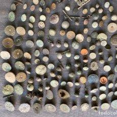 Antigüedades: LOTE DE BOTONES ANTIGUOS , MILITARES , GRABADOS , EXTRANJEROS , GUERRA INDEPENDENCIA , ETC .. Lote 269043358