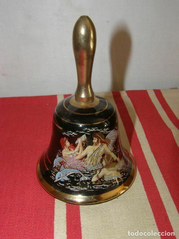 Antigüedades: Ancienne petite cloche de service en porcelaine et laiton - Foto 2 - 269064958