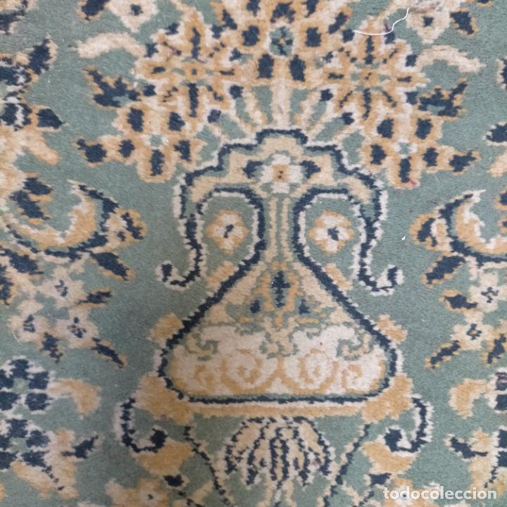 Antigüedades: gran alfombra 158 x 125 cm ideal capilla virgen besamanos cofradia semana santa altar - Foto 3 - 269071503