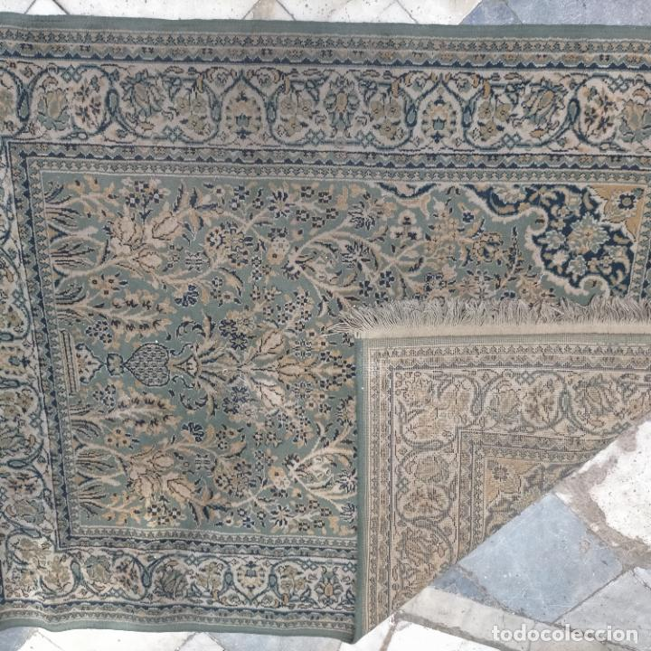 Antigüedades: gran alfombra 158 x 125 cm ideal capilla virgen besamanos cofradia semana santa altar - Foto 11 - 269071503
