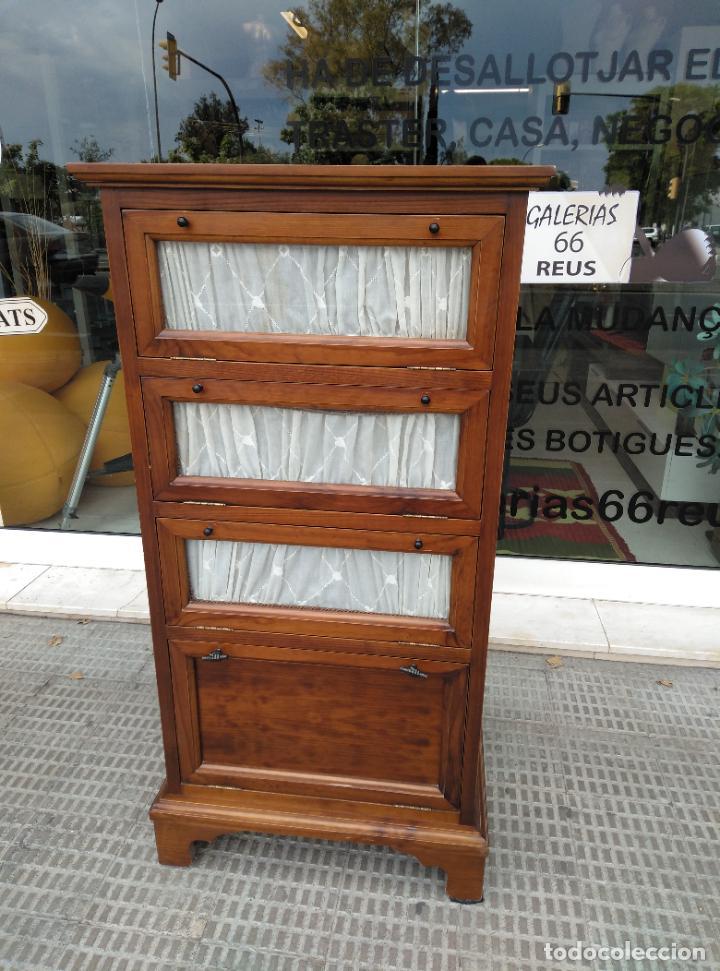 VITRINA COLONIAL MACIZA. ANTIQUE WOOD (Antigüedades - Muebles Antiguos - Vitrinas Antiguos)