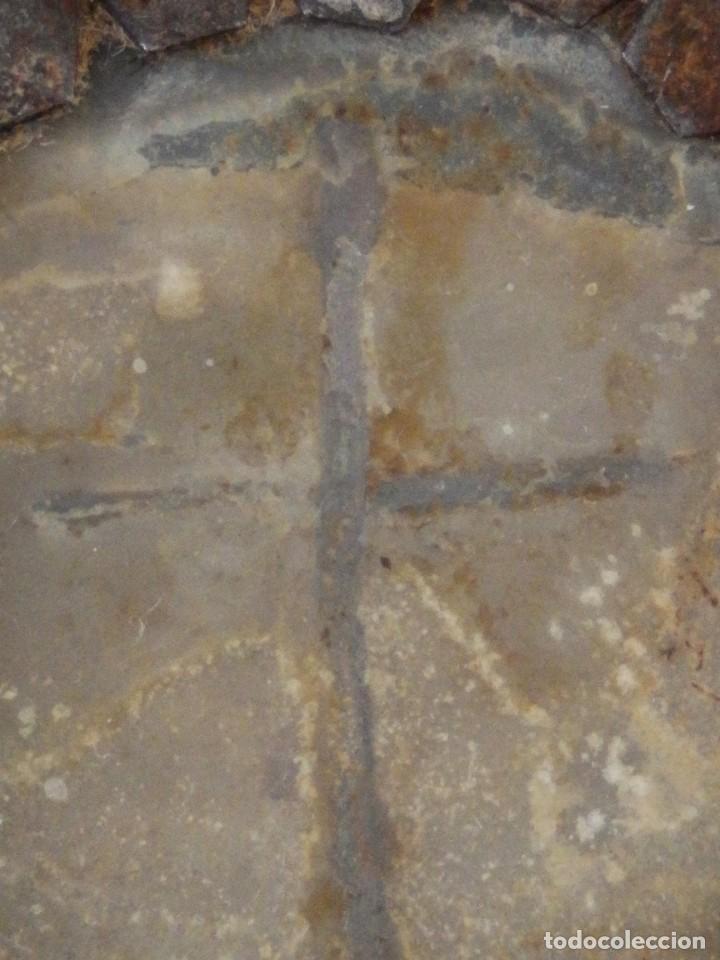 Antigüedades: Relicario Agnus Dei elaborado en hierro. Siglo XVIII y anterior. Mide 3,2 x 2,4 cm. - Foto 7 - 269166383