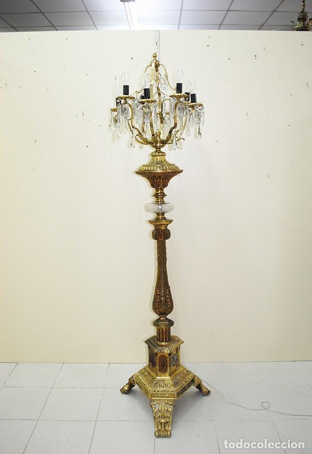LÁMPARA ANTIGUA DE PIE CANDELABRO DE BRONCE DORADO (Antigüedades - Iluminación - Lámparas Antiguas)