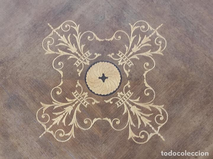 Antigüedades: Bonita Mesa de Centro - Decorada con Marquetería - Diámetro - 64 cm, Altura - 58 cm - Foto 16 - 269215698