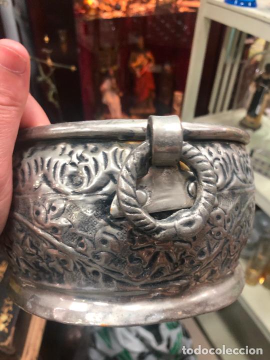 Antigüedades: PRECIOSO CENTRO DE MESA METAL PLATEADO REPUJADO - MEDIDA 23X18X10 CM - Foto 7 - 269229008