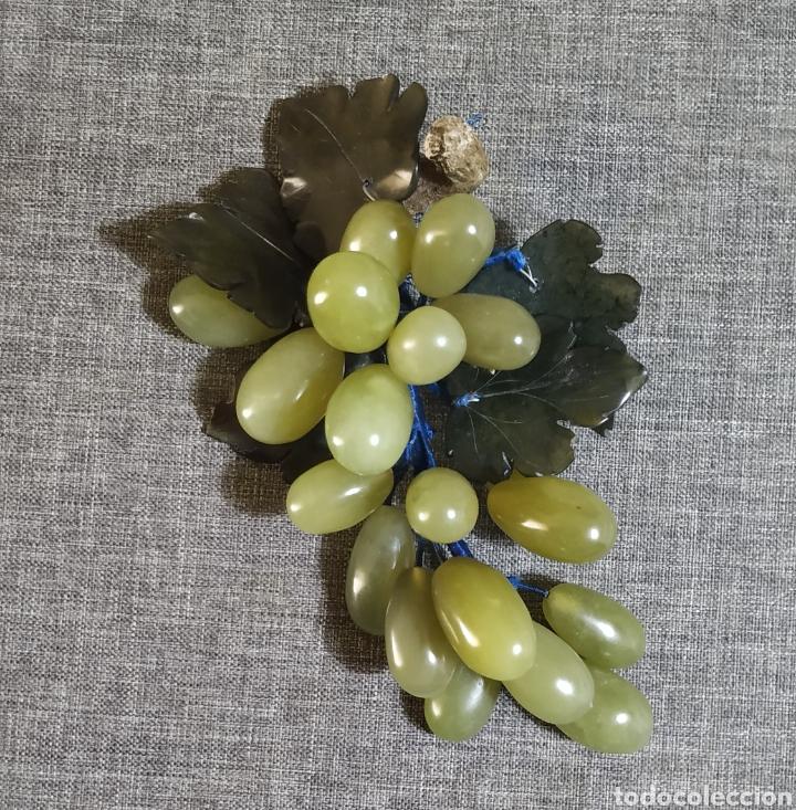 Antigüedades: Racimo de uvas de Jade con bandeja - Foto 2 - 269256278