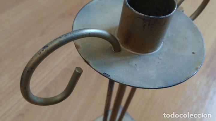 Antigüedades: Portavelas -- Candelabro -- Metal hierro -- dorado -- trabajo artesanal - Foto 3 - 269293373