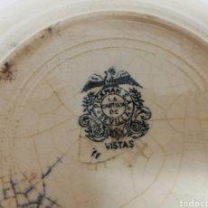 Antigüedades: PLATO DE CERAMICA PICKMAN. LA CARTUJA DE SEVILLA. SERIE VISTAS NEGRO. SELLO ANTIGUO DEL AGUILA. I. Lote 269309893