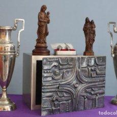 Antigüedades: SAGRARIO ELABORADO EN METAL PLATEADO Y METAL DORADO. TERCER CUARTO DEL SIGLO XX.. Lote 269316413