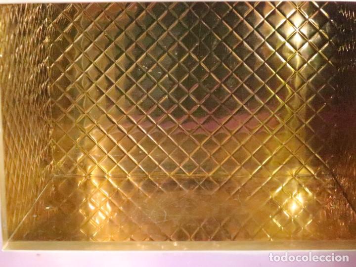 Antigüedades: Sagrario elaborado en metal plateado y metal dorado. Tercer cuarto del siglo XX. - Foto 10 - 269316413