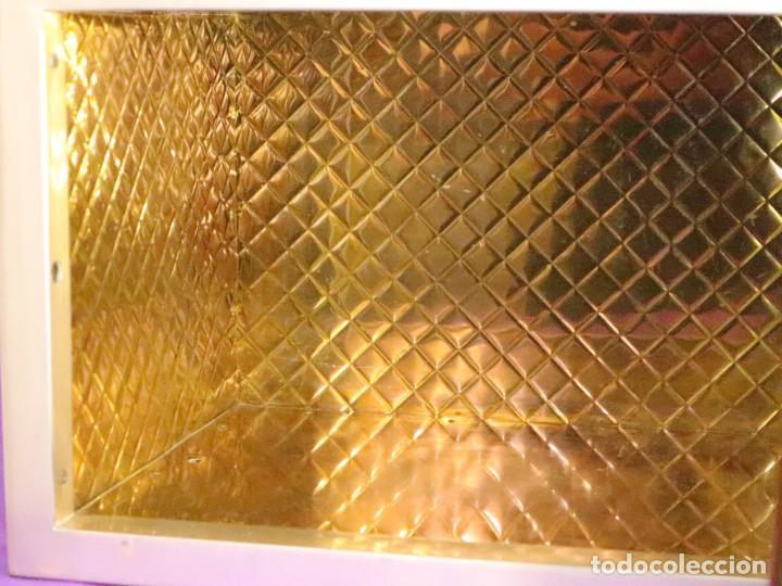 Antigüedades: Sagrario elaborado en metal plateado y metal dorado. Tercer cuarto del siglo XX. - Foto 11 - 269316413