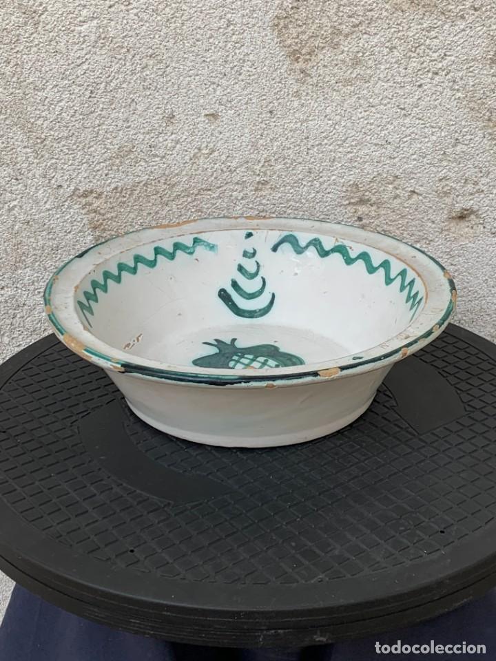 Antigüedades: CUENCO CENTRO MESA CERAMICA FAJALAUZA GRANADA VERDE ROCES DESGASTE USO 8X27CMS - Foto 2 - 269467068