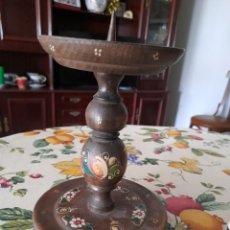 Antigüedades: ANTIGUO PORTAVELAS DE MADERA. Lote 269638183
