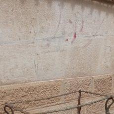 Antigüedades: MESA ANTIGUA DE BRONCE. Lote 269646983