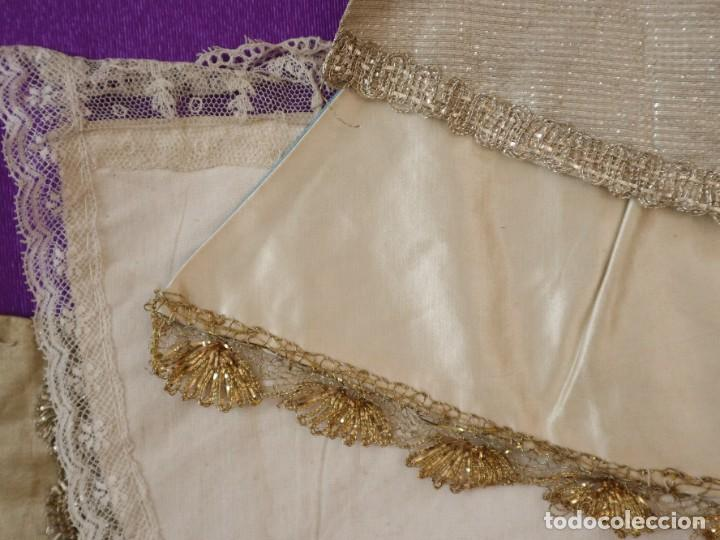 Antigüedades: Conjunto de cuatro capas para imágenes de vestir o cap i pota. S. XVIII-XIX. - Foto 15 - 269747893