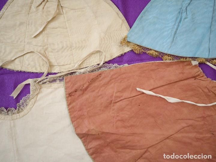 Antigüedades: Conjunto de cuatro capas para imágenes de vestir o cap i pota. S. XVIII-XIX. - Foto 17 - 269747893