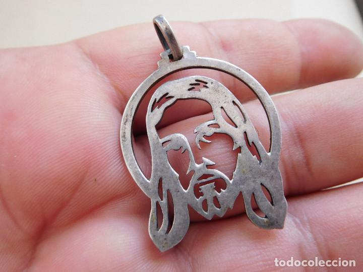 Antigüedades: Medalla de plata calada con rostro de Jesucristo - Foto 3 - 269810018