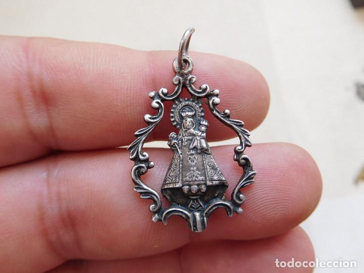 MEDALLA DE PLATA CALADA VIRGEN A IDENTIFICAR (Antigüedades - Religiosas - Medallas Antiguas)