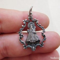 Antigüedades: MEDALLA DE PLATA CALADA VIRGEN A IDENTIFICAR. Lote 269811828