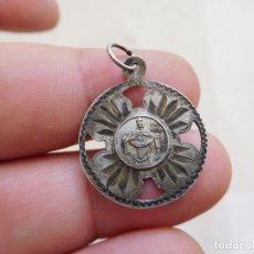 Antigüedades: MEDALLA DE PLATA CALADA VIRGEN A IDENTIFICAR. Lote 269812223