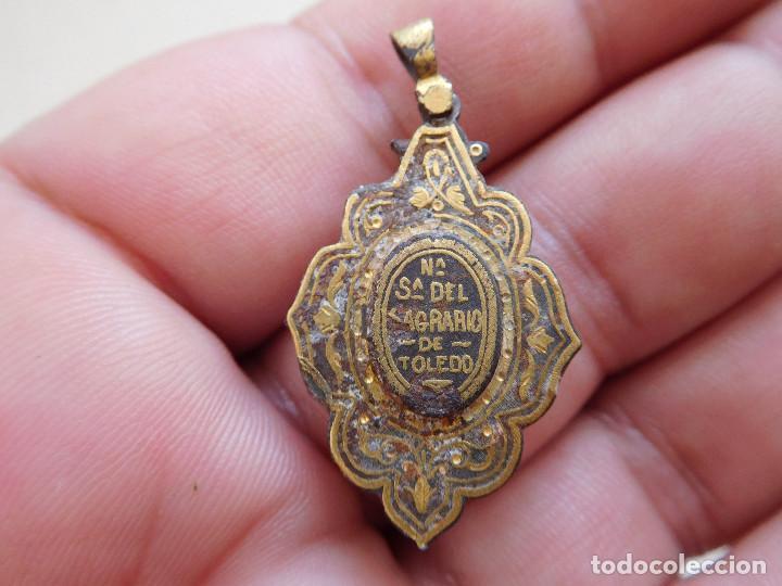 Antigüedades: Medalla damasquinada Ntra. Sra. del Sagrario de Toledo - Foto 4 - 269812793