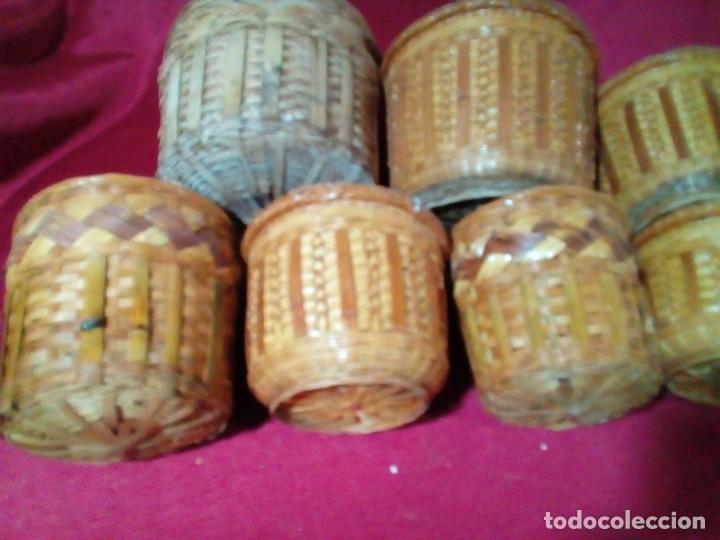 Antigüedades: lote de 7 macetas antiguas de mimbre y bambu - Foto 5 - 269976723