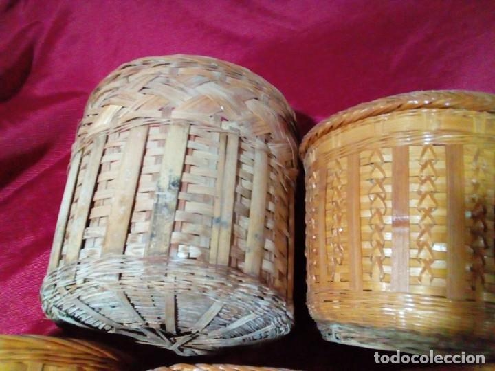Antigüedades: lote de 7 macetas antiguas de mimbre y bambu - Foto 6 - 269976723